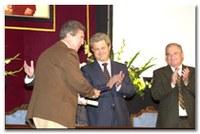 Entrega de la medalla de oro al mérito provincial